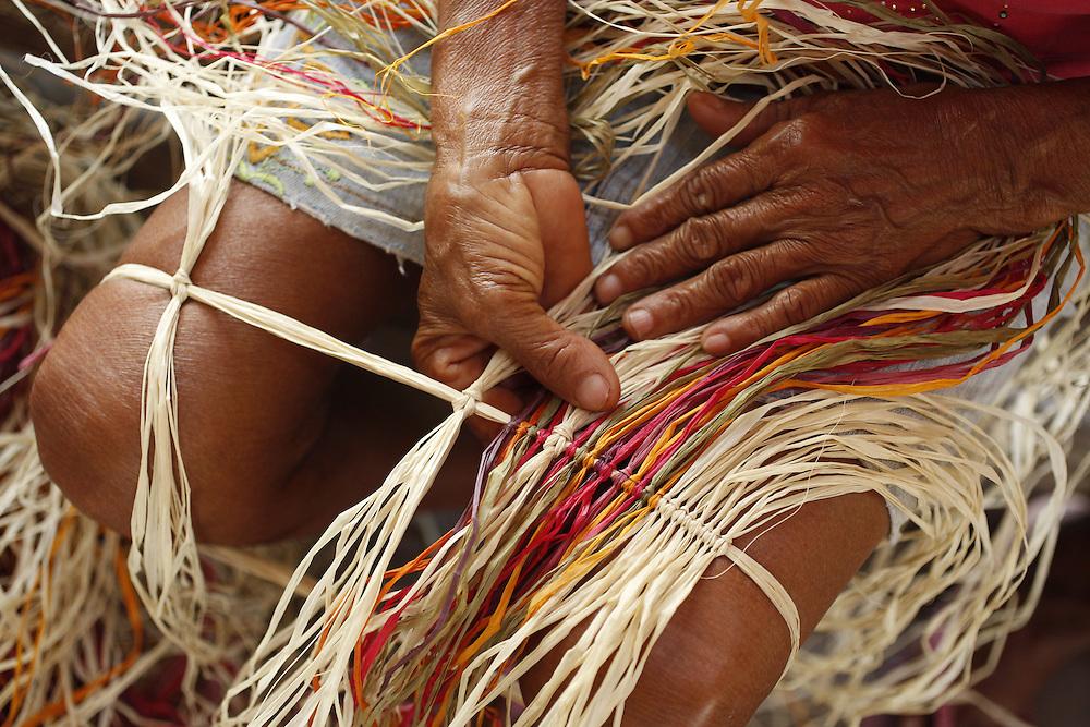 Barreirinhas_MA, Brasil.<br /> <br /> Processo de fabricao de artesanato de buriti no povoado de Marcelino. <br /> <br /> The manufacture of handicrafts process in the Buriti Marcelino Village. <br /> <br /> Foto: LEO DRUMOND / NITRO