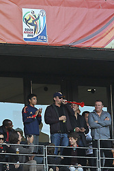 03.07.2010, CAPE TOWN, SOUTH AFRICA, im Bild .American Actor Leonardo DiCapro blows a vuvuzela as Rolling Stone Singer Mick Jagger looks on during the Quarter Final, Match 59 of the 2010 FIFA World Cup, Argentina vs Germany held at the Cape Town Stadium. Foto ©  nph /  Kokenge