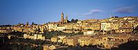 Italie, Toscane, Province de Sienne, Village de Montalcino. // Montalcino, Tuscany,  Italy