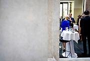 BERLIJN - Koning Willem-Alexander en koningin Maxima tijdens een ronde tafel gesprek van de Bondsraad. Het driedaagse staatsbezoek aan Berlijn vormt de afronding van een reeks deelstaatsbezoeken sinds het koningspaar in 2013 werd ingehuldigd. ANP ROYAL IMAGES SEM VAN DER WAL POOL