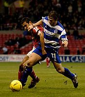Fotball<br /> England 2004/2005<br /> Foto: SBI/Digitalsport<br /> NORWAY ONLY<br /> <br /> Nottingham Forest v Queen's Park Rangers<br /> Coca Cola Championship. 04/12/2004.<br /> <br /> Nottingham Forest's Jack Lester (L) gets to grips with QPR's Gareth Ainsworth