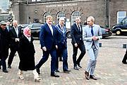 Tweede dag van het staatsbezoek van de Singaporese president. Koning Willem-Alexander en president Halimah Yacob van Singapore bezoeken de RDM Campus in de haven van Rotterdam<br /> <br /> Second day of the state visit by the Singaporean President. King Willem-Alexander and President Halimah Yacob of Singapore visit the RDM Campus in the port of Rotterdam