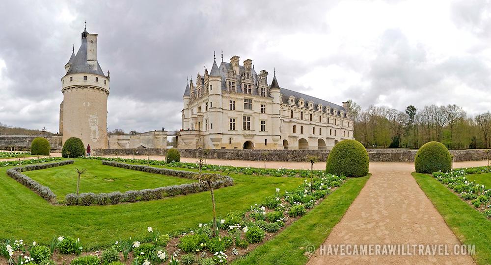 Ornate gardens at Chateau de Chenonceau