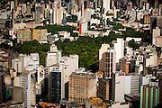 Belo Horizonte_MG, Brasil...Imagem aerea de Belo Horizonte com destaque para avenida Afonso Pena e Parque Municipal, Minas Gerais...Aerial view of Belo Horizonte. In this photo Afonso Pena avenue and Municipal Park, Minas Gerais...Foto: BRUNO MAGALHAES / NITRO