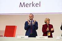 DEU, Deutschland, Germany, Hamburg, 07.12.2018: Bundesgesundheitsminister Jens Spahn (CDU) und Prof. Monika Grütters (CDU), Staatsministerin für Kultur und Medien, beim Bundesparteitag der CDU in der Messe Hamburg.