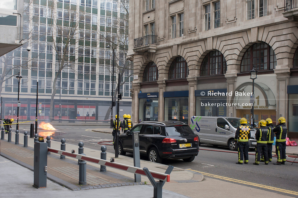 An electrical fire in a subterranean substation on Kingsway in central London cause major disruption to local businesses and throughroutes for traffic as flames from ruptured gas pipes vented through pavement and road manholes. Loss of electrical power to local bars and businesses meant the closure of shops and evacuation of offices.