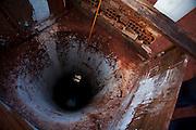 Iturama_MG, 14 de Maio de 2007...Poco artesiano de moradores de beira de estrada na rodovia MG 255, Minas Gerais...A artesian well of the house near to MG 255 highway, Minas Gerais...Foto: LEO DRUMOND / NITRO