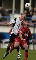 Fotball<br /> England<br /> 2004/2005<br /> 16.10.2004<br /> Foto: SBI/Digitalsport<br /> NORWAY ONLY<br /> <br /> Luton Town v Huddersfield Town<br /> Coca-Cola League One<br /> <br /> Rowan Vine outjumps the Huddersfield defence.