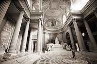Le Pantheon (Interior)