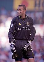 Nicky Weaver (Manchester City) Tottenham Hotspur v Manchester City, FA Premiership, 23/09/2000. Credit: Colorsport / Nick Kidd