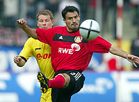 Fotball<br /> Bundesliga 2003/04<br /> Bayer 04 Leverkusen v Borussia Dortmund<br /> 24. april 2004<br /> Foto: Digitalsport<br /> NORWAY ONLY<br /> <br /> Stefan REUTER, Dortmund, Marko BABIC, Leverkusen