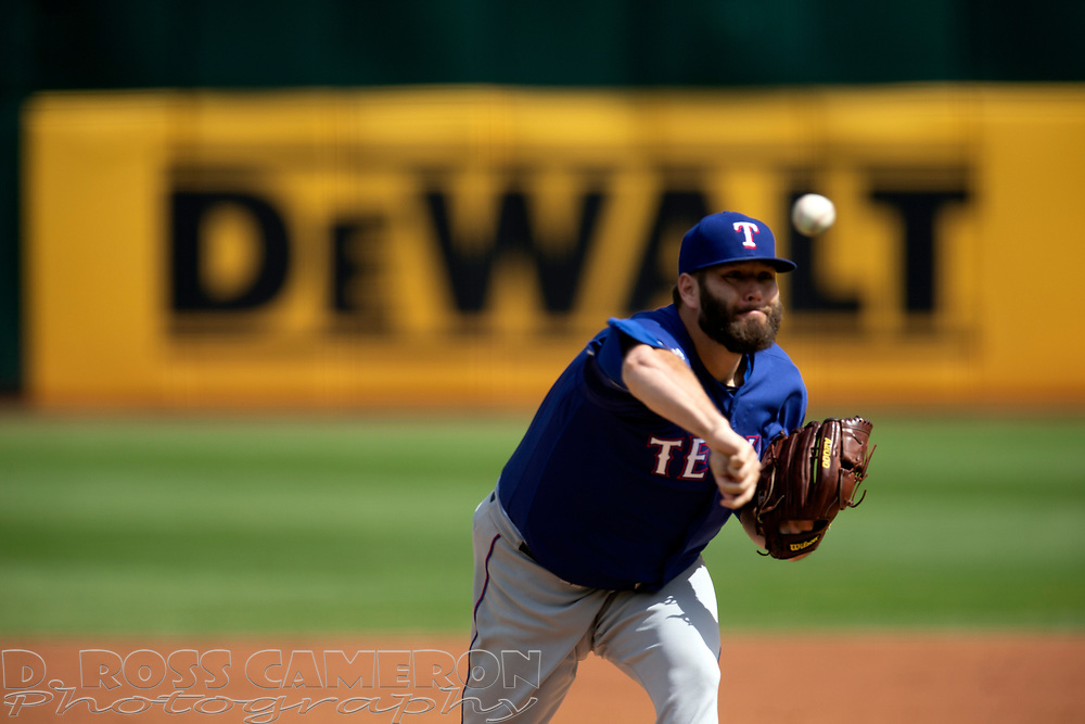 Texas Rangers starting pitcher Lance Lynn (35) delivers against the Oakland Athletics during the first inning of a baseball game, Sunday, Sept. 22, 2019, in Oakland, Calif. (AP Photo/D. Ross Cameron)