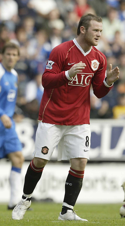 Photo: Aidan Ellis.<br /> Wigan Athletic v Manchester United. The Barclays Premiership. 14/10/2006.<br /> United's Wayne Rooney Rues a missed chance
