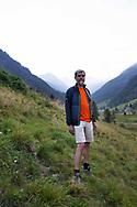 """Marcello Duranti, vicepresidente della sezione Cai di Ponte di Legno, biologo e professore all'Università di Milano. """"Mi ricordo che negli anni 80 venivo a sciare qua ad Agosto. Ora rispetto ad un tempo non c'è più nulla."""" """"La gente del posto non ne parla tanto, qui si vive di turismo. Se si dice che non c'è più niente cosa ci viene a fare la gente?"""". Lombardia, Agosto 2020."""
