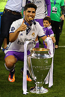 Celebrazione Coppa Real Madrid vince il trofeo, Celebration Cup Real Madrid Wins the trophy Marco Arsensio Real Madrid<br /> Cardiff 03-06-2017  Cardiff National Stadium Millennium Stadium<br /> Football Champions League Final 2016/2017 <br /> Juventus - Real Madrid<br /> Foto Cesare Purini / Insidefoto