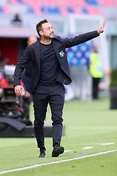 """Foto Filippo Rubin<br /> 18/10/2020 Bologna (Italia)<br /> Sport Calcio<br /> Bologna - Sassuolo - Campionato di calcio Serie A 2020/2021 - Stadio """"Renato """"Dall'Ara<br /> Nella foto: ROBERTO DE ZERBI (ALLENATORE SASSUOLO)<br /> <br /> Photo Filippo Rubin<br /> October 18, 2020 Bologna (Italy)<br /> Sport Soccer<br /> Bologna vs Sassuolo - Italian Football Championship League A 2020/2021 - """"Renato Dall'Ara"""" Stadium <br /> In the pic: ROBERTO DE ZERBI (SASSUOLO'S COACH)"""