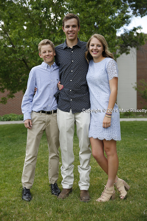 SHOT 6/1/16 6:39:37 PM - Colorado Academy Senior Class portrait in front of the Wellborn House and Class of 2016 Commencement Dinner at the Denver, Co. private school. (Photo by Marc Piscotty / © 2016)