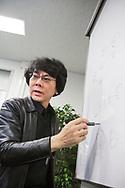 Professor Hiroshi Ishiguro på sitt kontor på Osaka University, Japan<br /> (Geminoid HI-5)<br /> <br /> <br /> Professor Hiroshi at hos office at Osaka University, Japan<br /> <br /> Photographer: Christina Sjögren<br /> Copyright 2018, All Rights Reserved