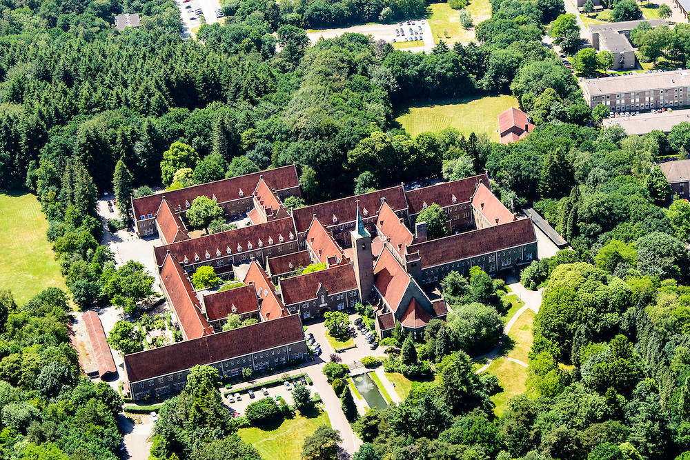 Nederland, Utrecht, Amersfoort, XXX, 09-06-2016;<br />  Onze Lieve Vrouwe ter Eem,  voormalig zusterklooster <br /> Former convent.<br /> luchtfoto (toeslag op standard tarieven);<br /> aerial photo (additional fee required);<br /> copyright foto/photo Siebe Swart