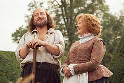 Kenneth Branagh as William Shakespeare, Judi Dench as Anne Hathaway