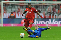 20.02.2016, Allianz Arena, Muenchen, GER, 1. FBL, FC Bayern Muenchen vs SV Darmstadt 98, 22. Runde, im Bild Douglas Costa (FC Bayern Muenchen) wird von Fabian Holland (SV Darmstadt 98) gefoult // during the German Bundesliga 22nd round match between FC Bayern Munich and SV Darmstadt 98 at the Allianz Arena in Muenchen, Germany on 2016/02/20. EXPA Pictures © 2016, PhotoCredit: EXPA/ Eibner-Pressefoto/ Stuetzle<br /> <br /> *****ATTENTION - OUT of GER*****