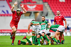Dewaldt Duvenage of Benetton Treviso<br /> <br /> Photographer Craig Thomas/Replay Images<br /> <br /> Guinness PRO14 Round 3 - Scarlets v Benetton Treviso - Saturday 15th September 2018 - Parc Y Scarlets - Llanelli<br /> <br /> World Copyright © Replay Images . All rights reserved. info@replayimages.co.uk - http://replayimages.co.uk
