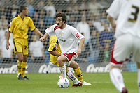 Photo: Marc Atkins.<br />Milton Keynes Dons v Notts County. Coca Cola League 2. 02/09/2006. Gary Smith of MK Dons in action.