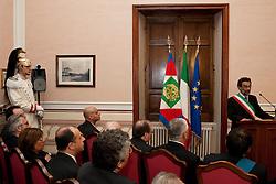 Rionero in V. (PZ) 03/10/2009 Italy - Il Presidente della Repubblica Giorgio Napolitano in visita nella casa natale di Giustino Fortunato. Nella Foto: Il sindaco di Rionero Antonio Placido