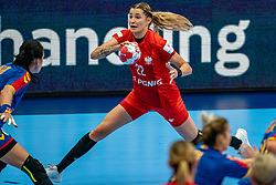 Aleksandra Rosiak of Poland during the Women's EHF Euro 2020 match between Poland and Romania at Sydbank Arena on december 05, 2020 in Kolding, Denmark (Photo by RHF Agency/Ronald Hoogendoorn)