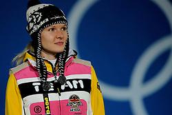 14-02-2010 ALGEMEEN: OLYMPISCHE SPELEN: CEREMONIE: VANCOUVER<br /> Ceremonie 3000 meter schaatsen / Zilver voor Stephanie Beckert GER <br /> ©2010-WWW.FOTOHOOGENDOORN.NL