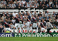 Photo: Andrew Unwin.<br />Newcastle United v West Bromwich Albion. The Barclays Premiership. 22/04/2006.<br />Newcastle's Nolberto Solano (R) takes a free-kick.