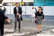 Aankomst Politici voorafgaand het voorlezen van de troonrede in de Grote Kerk aan leden van de Eerste en Tweede Kamer.<br /> <br /> Op de foto:  Minister-president Mark Rutte en Ank Bijleveld