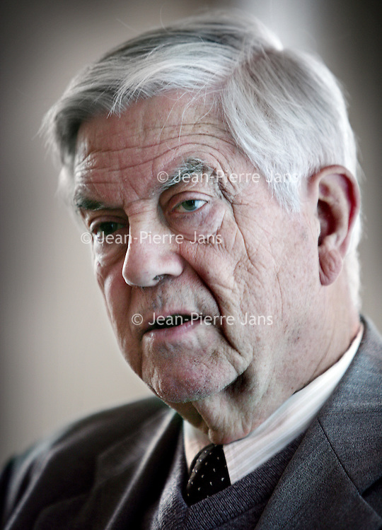 Nederland,Amsterdam ,28 november 2008..Frederik (Frits) Bolkestein (Amsterdam, 4 april 1933) is een Nederlands politicus. Hij was staatssecretaris van Economische Zaken en korte tijd minister van Defensie. Het bekendst is hij geworden als fractievoorzitter van de VVD in de Tweede Kamer. Van 1999 tot 2004 was Bolkestein Europees Commissaris voor Interne markt, de Douane Unie en Belastingen.