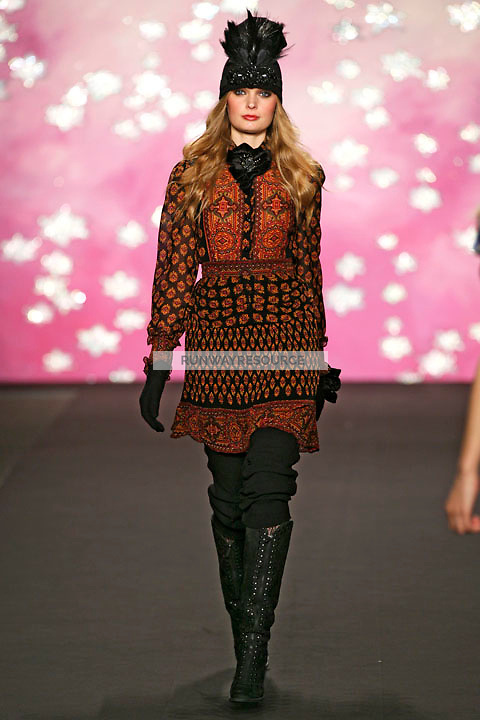 Agnete Hegelund walks the runway wearing Anna Sui Fall 2009 collection