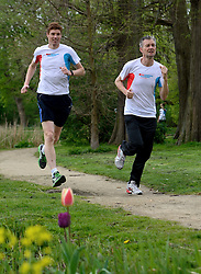 10-04-2014 NED: NY City Marathon training Vriendenloterij, Amsterdam<br /> In het Amsterdamse Vondelparkwerden de eerste meters ggelegd door de lopers van de vriendenloterij / Bas en Roel