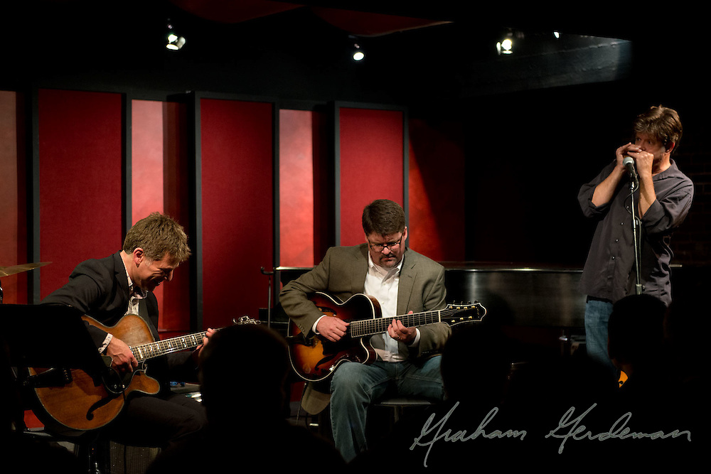 Guitarist Peter Bernstein closes out his first of two sold out shows at the Nashville Jazz Workshop with fellow guitarist Chip Henderson and guitarist/harmonica player Pat Bergeson.
