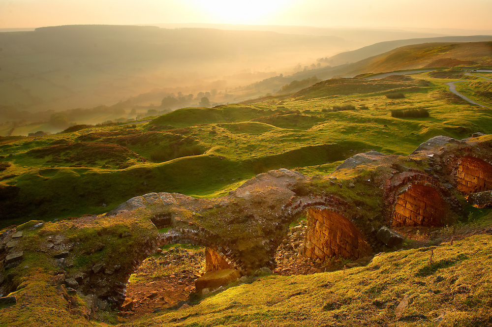 Sunrise over Rosedale viewed from Chimney Bank, North Yorks National Park, North Yorkshire, England .<br /> <br /> Visit our ENGLAND PHOTO COLLECTIONS for more photos to download or buy as wall art prints https://funkystock.photoshelter.com/gallery-collection/Pictures-Images-of-England-Photos-of-English-Historic-Landmark-Sites/C0000SnAAiGINuEQ