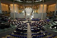 17 OCT 2003, BERLIN/GERMANY:<br /> Uebersicht, Plenum, Deutscher Bundestag<br /> IMAGE: 20031017-01-040<br /> KEYWORDS: Übersicht, Uebersicht, Plenum, Plenarsaal, Saal, Bundesadler, Adler, Reichstag
