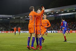 (L-R), Guus Til of Jong Oranje, Oussama Idrissi of Jong Oranje, Sam Lammers of Jong Oranje during the EURO U21 2017 qualifying match between Netherlands U21 and Andorra U21 at the Vijverberg stadium on November 10, 2017 in Doetinchem, The Netherlands