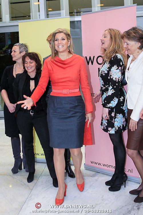 NLD/Amsterdam/20130214 - Prinses Maxima opent Women Inc, festival 2013, Prinses Maxima met de dames van Women Inc.
