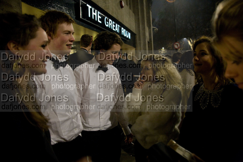 ARCHIE GRAHAM-WATSON; ARCHIE WATSON; BEATRICE MCKECHNIE, The 30th White Knights charity  Ball.  Grosvenor House Hotel. Park Lane. London. 10 January 2009 *** Local Caption *** -DO NOT ARCHIVE-© Copyright Photograph by Dafydd Jones. 248 Clapham Rd. London SW9 0PZ. Tel 0207 820 0771. www.dafjones.com.<br /> ARCHIE GRAHAM-WATSON; ARCHIE WATSON; BEATRICE MCKECHNIE, The 30th White Knights charity  Ball.  Grosvenor House Hotel. Park Lane. London. 10 January 2009
