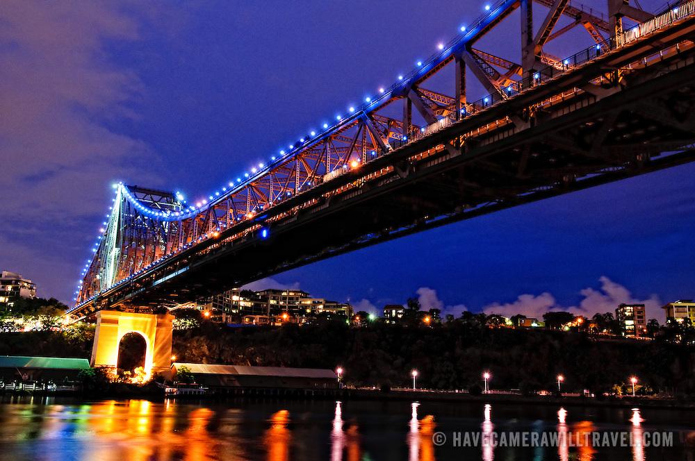 Brisbane's Story Bridge at night