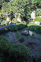 Shigain Monzeki was once Sakamoto's main satobo residence for retired monks of Enryakuji temple.  This is where monks of imperial blood resided. Shogun Monzeki has been preserved, including its garden out back of the main hall. The garden was designed by Kobori Enshu.