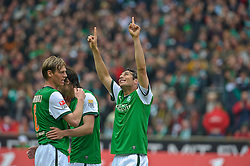 08.05.2010, Weser Stadion, Bremen, GER, 1.FBL, Werder Bremen vs Hamburger SV im Bild  Jubel Tor 1 zu 0 Claudio Pizarro ( Werder  #24 )   EXPA Pictures © 2010, PhotoCredit: EXPA/ nph/  Kokenge / SPORTIDA PHOTO AGENCY