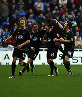 Fotball<br /> England 2004/2005<br /> Foto: SBI/Digitalsport<br /> NORWAY ONLY<br /> <br /> 27/11/2004 <br /> The Coca Cola Championship.<br /> Reading V Wigan Athletic<br /> <br /> Wigan's Alan Mahon (14) celebrates his goal with team mates