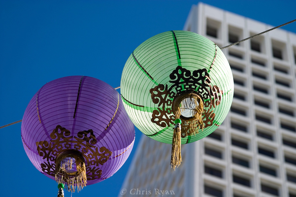 Chinatown meets Business District, San Francisco, California