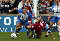 Photo: Paul Thomas.<br /> Scunthorpe United v Swindon Town. Coca Cola League 1. 17/04/2006.<br /> <br /> Swindon's Sean O'Hanion beats Matt Sparrow.