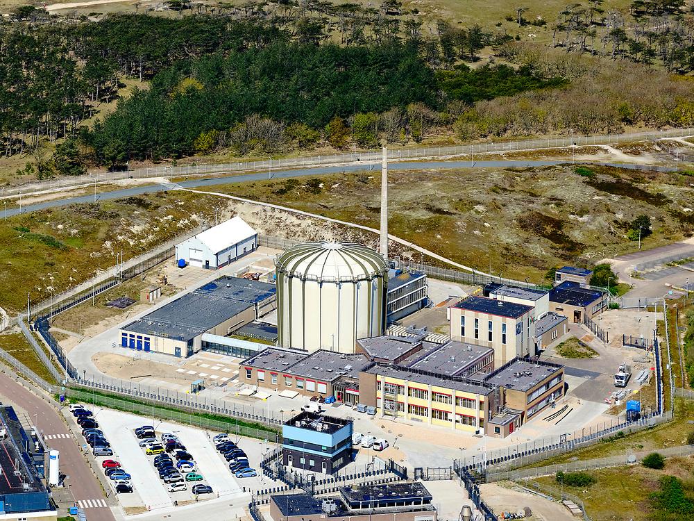 Nederland, Noord-Holland, gemeente Schagen, 07-05-2021; Petten, Energieonderzoek Centrum Nederland (ECN) en Nuclear Research & consultancy Group (NRG). Naast de faciliteiten voor onderzoek naar windenergie en zonne-energie, huisvest het het terrein (kleine) kernreactoren, waaronder de Hoge Flux Reactor (HFR). De onderzoeksreactor levert ook radioactieve preparaten voor medische doeleinden, waaronder diagnostiek en radiotherapie, bestraling, radiofarmacie.<br /> Petten, Energy research Center of the Netherlands (ECN) and Nuclear Research & consultancy Group (NRG). In addition to the facilities for research into wind energy and solar energy, the site houses (small) nuclear reactors, including the High Flux Reactor (HFR). The research reactor also supplies radioactive preparations for medical purposes, including diagnostics and radiotherapy, radiation, radiopharmacy.<br /> <br /> luchtfoto (toeslag op standard tarieven);<br /> aerial photo (additional fee required)<br /> copyright © 2021 foto/photo Siebe Swart