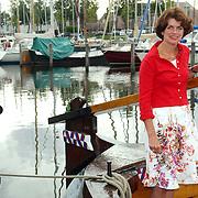 NLD/Huizen/20050719 - Fractie voorzitter CDA Huizen Janny Bakker - Klein