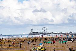 25-08-2018 NED: DELA Beach NK Volleyball, Scheveningen<br /> Hundreds of volleyball courts for the Pier in Scheveningen